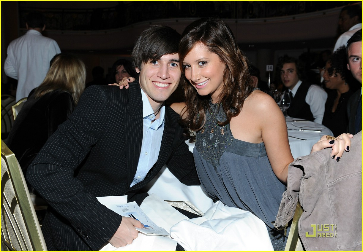 ashley tisdale wish night 03
