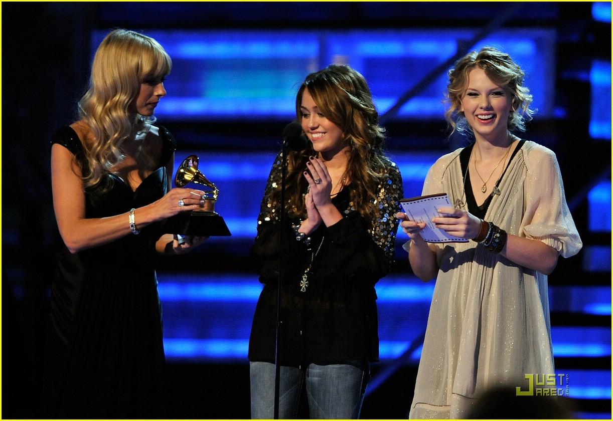 Miley Cyrus Taylor Swift Turn Fifteen Photo 68441 Grammy Awards 2009 Miley Cyrus Taylor Swift Pictures Just Jared Jr