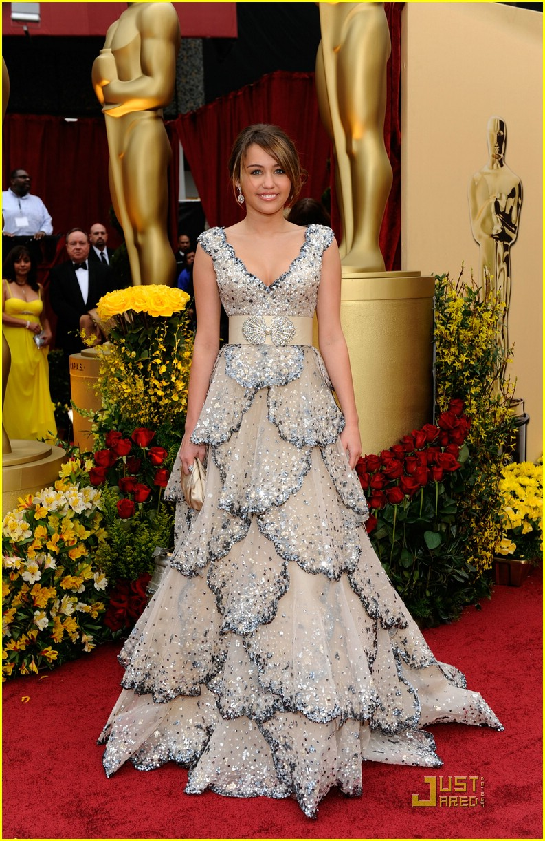 Miley Cyrus - Oscars 2009 | Photo 80681 - Photo Gallery | Just Jared Jr.