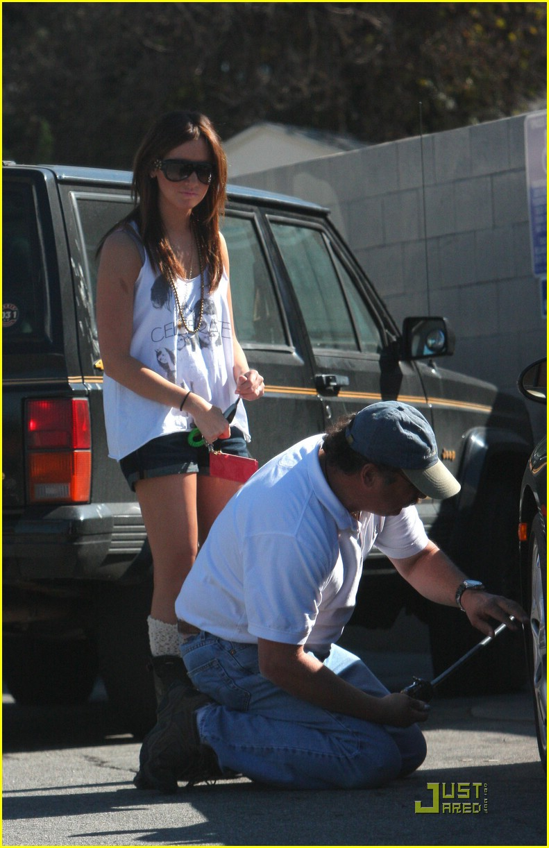ashley tisdale pump air tires 05