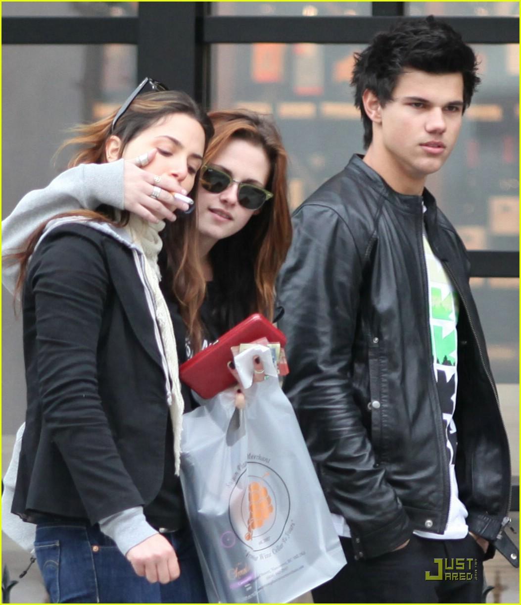 Taylor Lautner Kristen Stewart Shopping Spree Photo 92861