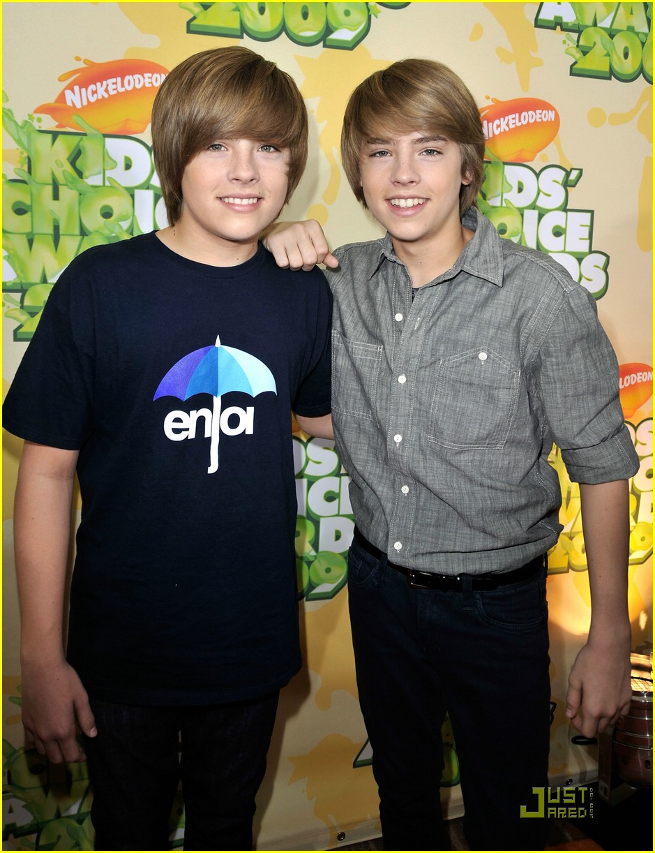 Dylan Sprouse Wins Fave TV Actor! | Photo 112271 - Photo ...