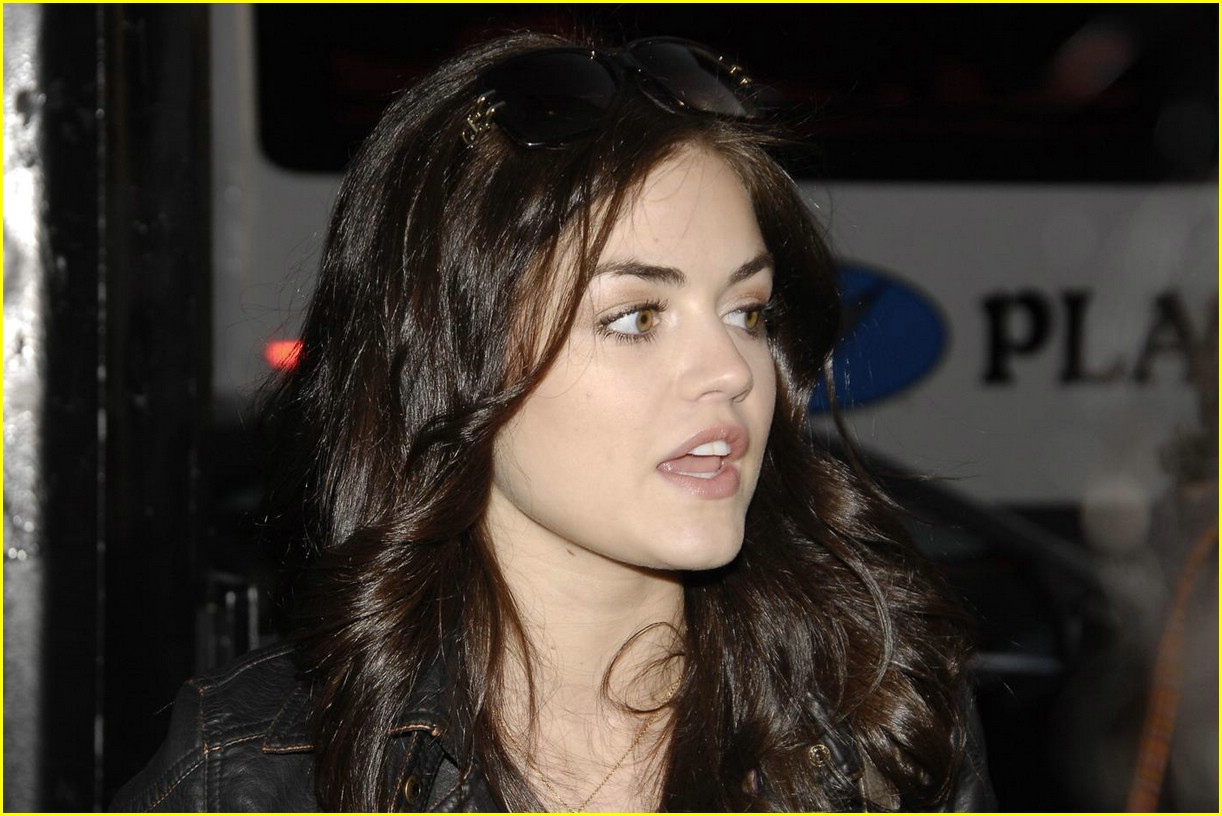 lucy hale 17 again 04