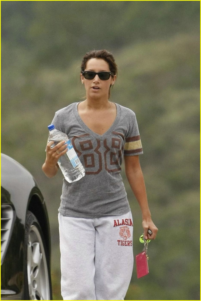 ashley tisdale workout weekend 04