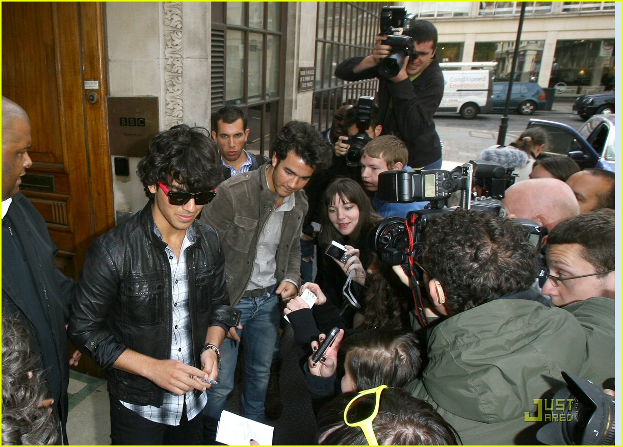 jonas brothers radio one 05