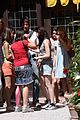 kristen stewart lunch with ladies 01