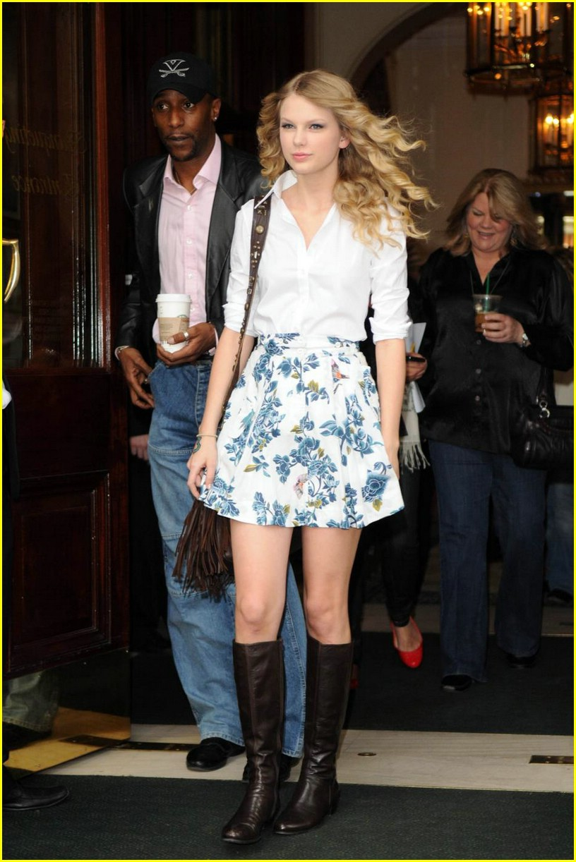 taylor swift floral skirt 08