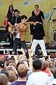 jonas brothers central park party 36