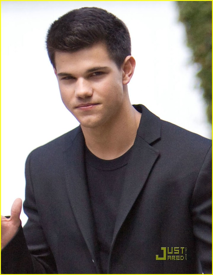 Taylor Lautner Hello Jacob Black Photo 177301 Photo Gallery