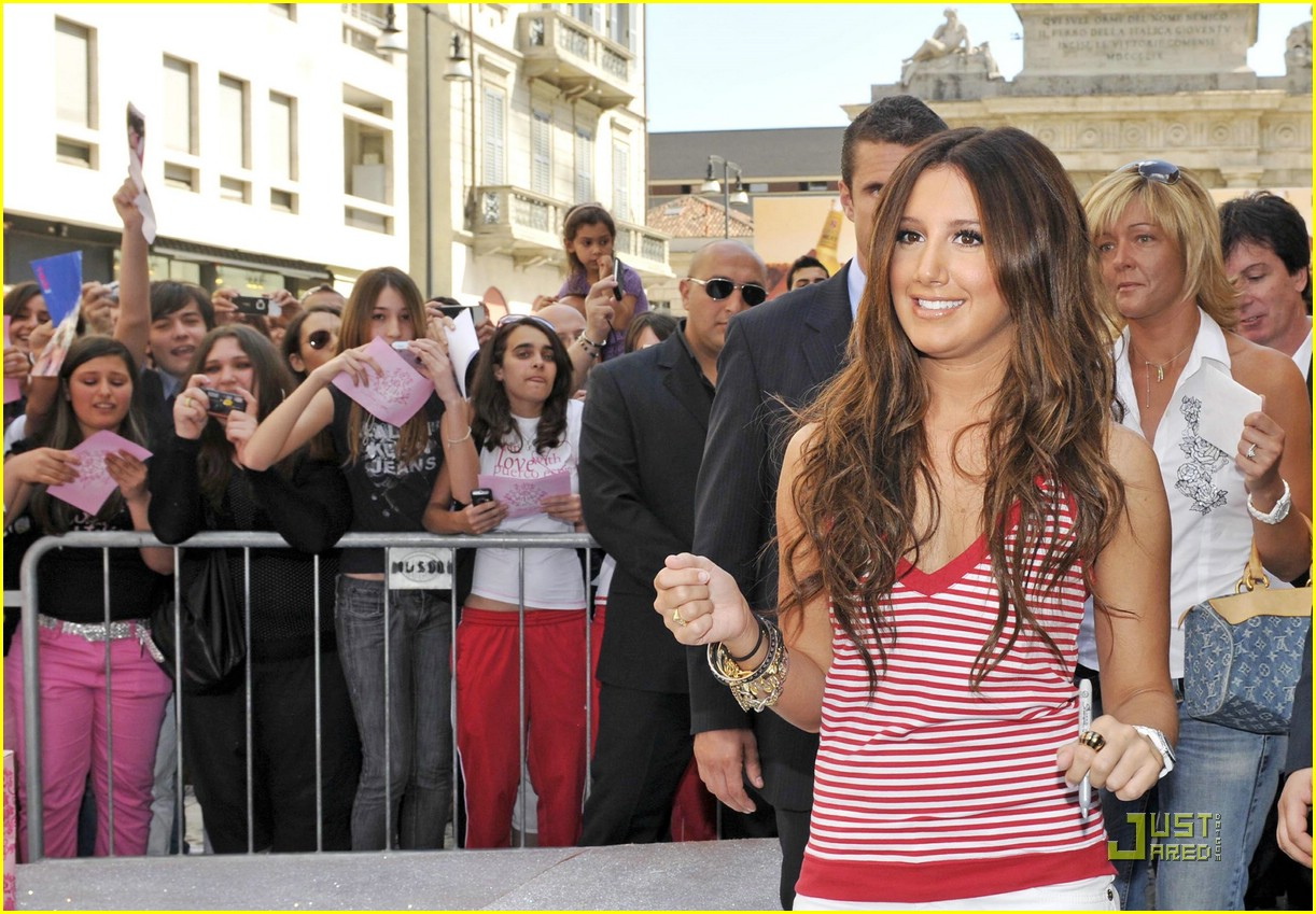 ashley tisdale puerco espin 02