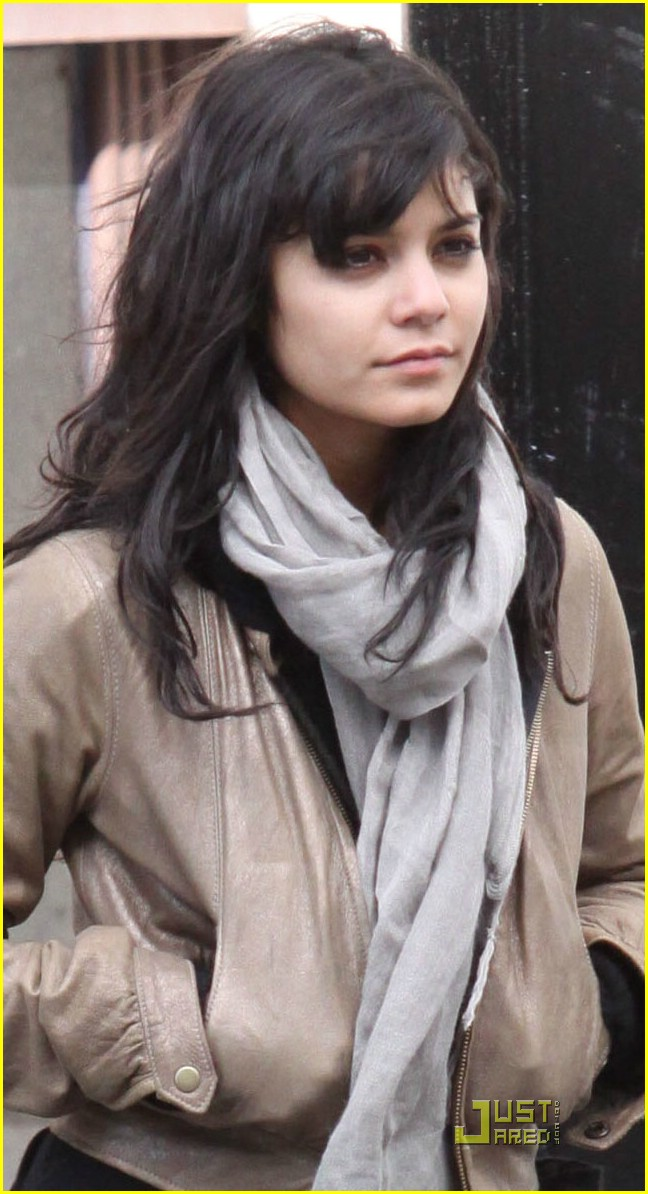 vanessa hudgens shops for home in montreal photo 180421