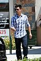 taylor lautner chipotle 08