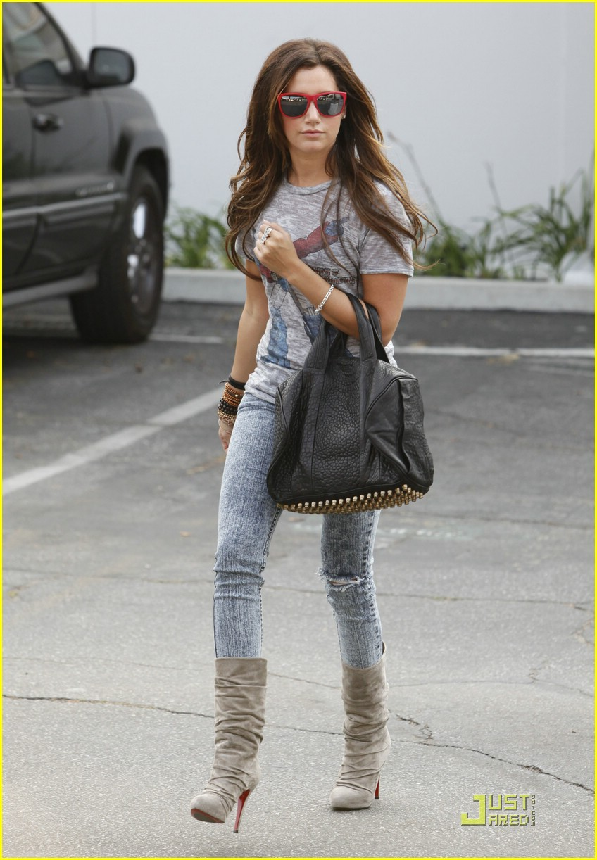 ashley tisdale twitter page 15