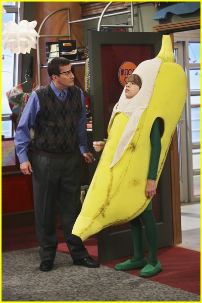 cole sprouse goin bananas 02