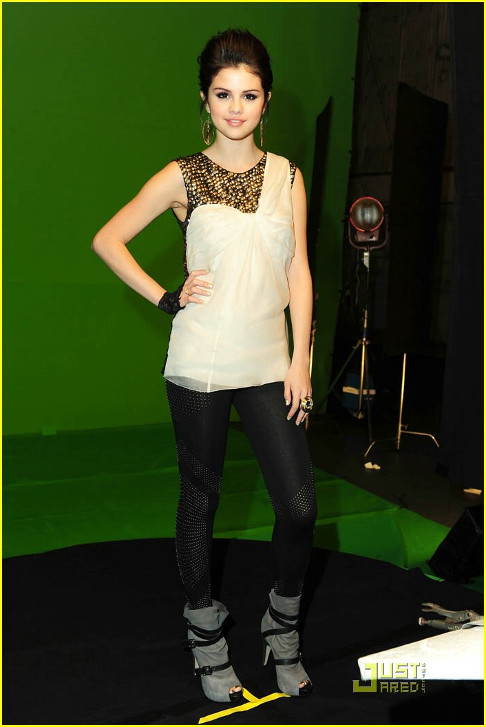 Selena Gomez Shoots Naturally Music Video: Photo 350609 | Selena Gomez  Pictures | Just Jared Jr.