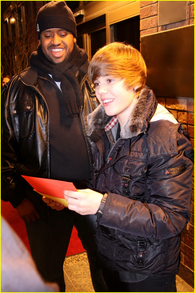 Justin Bieber: Much Music Merry Christmas! | Photo 353192 - Photo ...