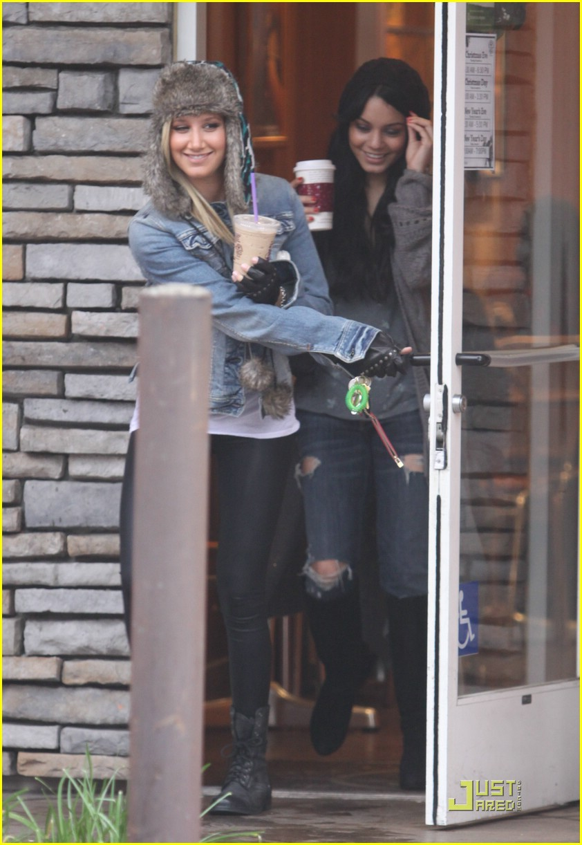ashley tisdale vanessa hudgens coffee bean 05