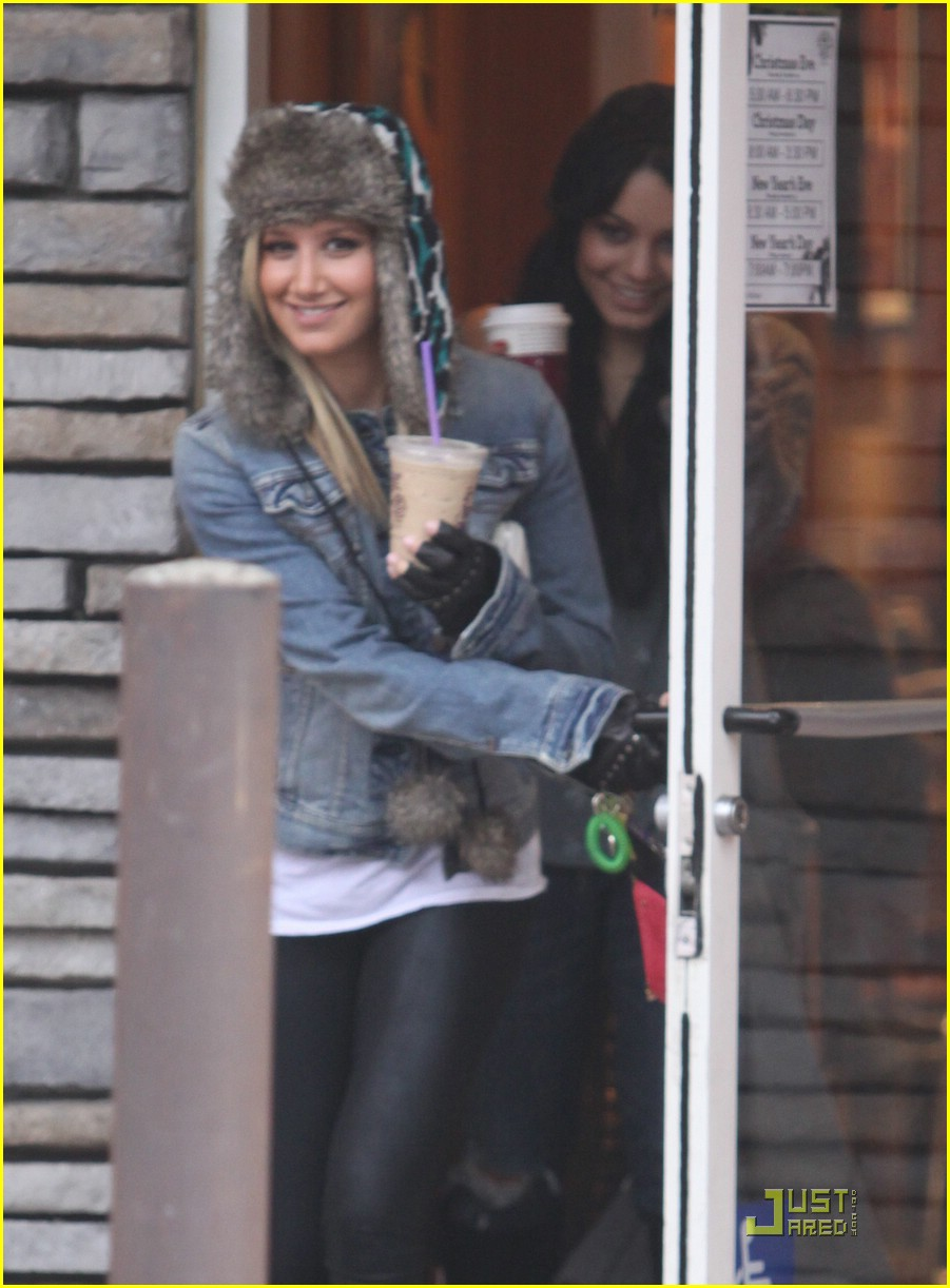 ashley tisdale vanessa hudgens coffee bean 09