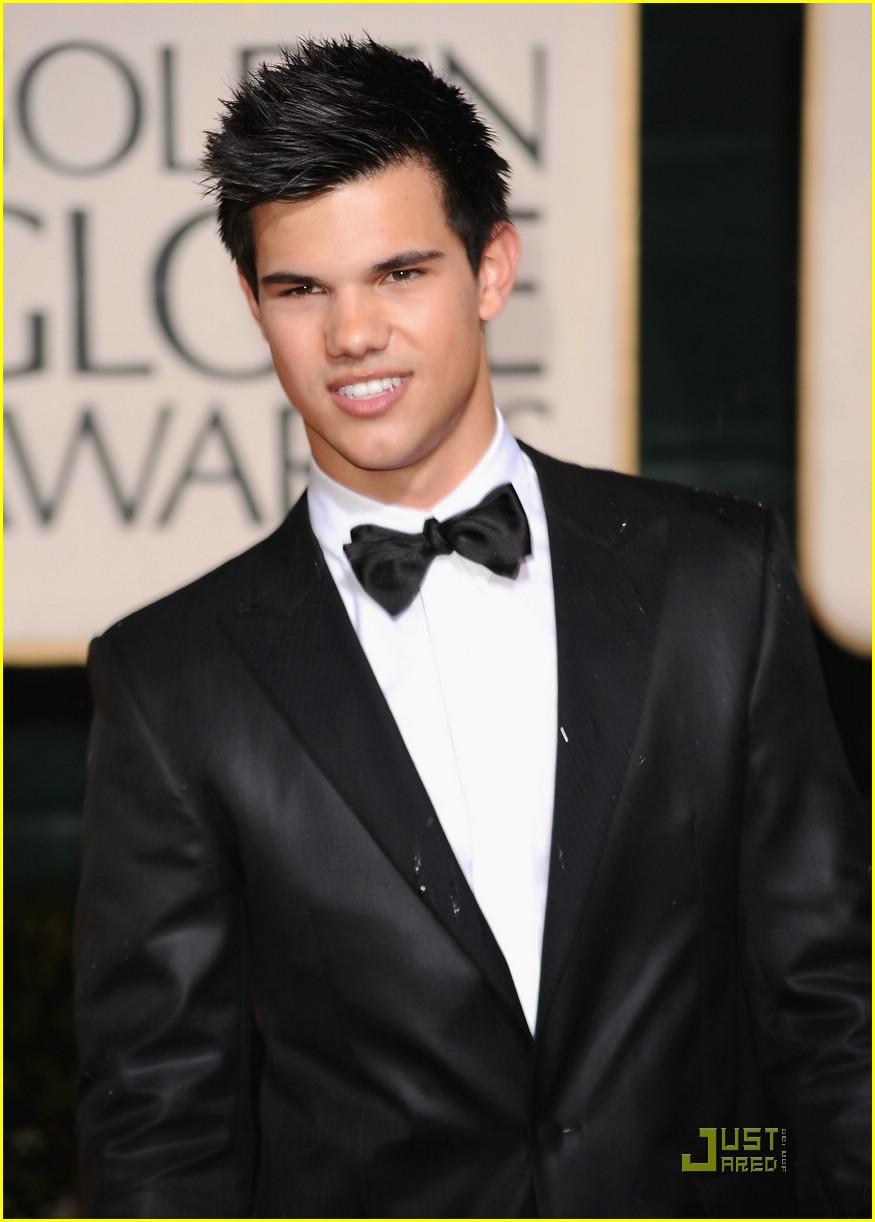 Taylor Lautner Golden Globes 13