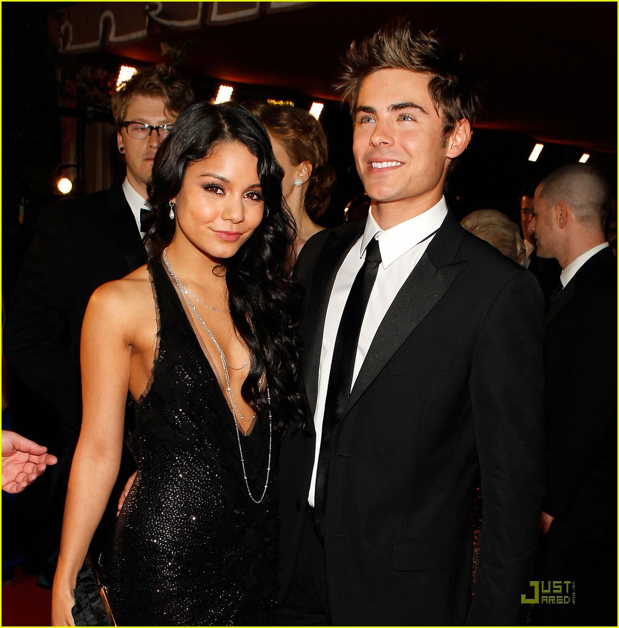 zac efron and vanessa hudgens still dating 2013
