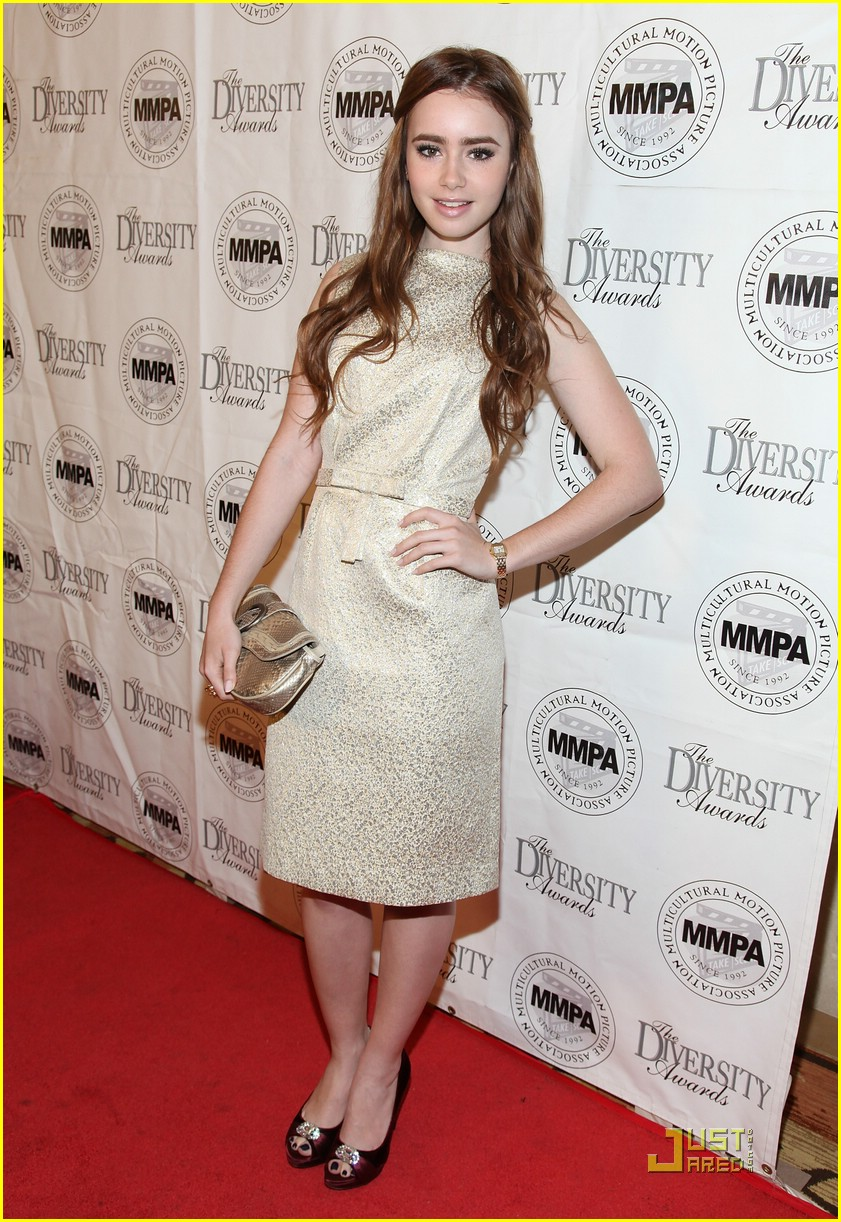 lily collins lucy hale dior 08