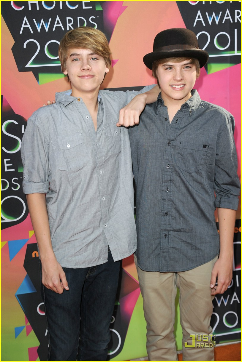 Dylan Amp Cole Sprouse Hit The Kids Choice Awards 2010