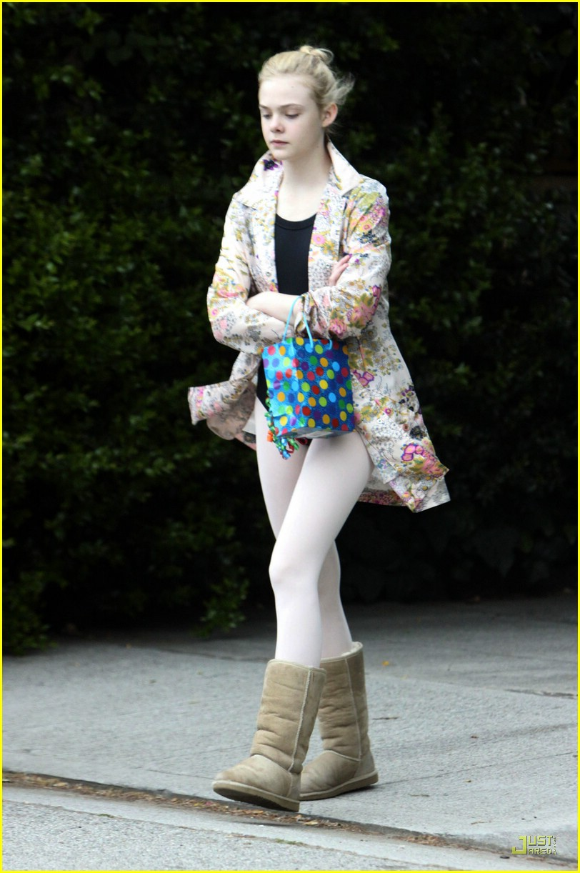 elle fanning birthday 02