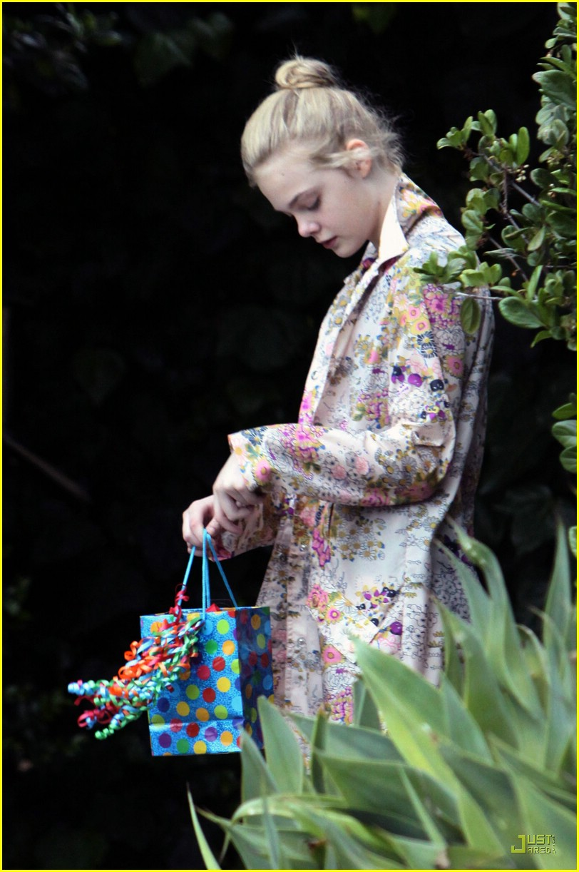 elle fanning birthday 03
