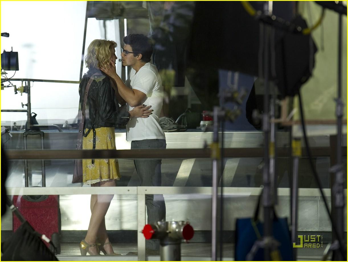joe jonas chelsea staub kiss 11