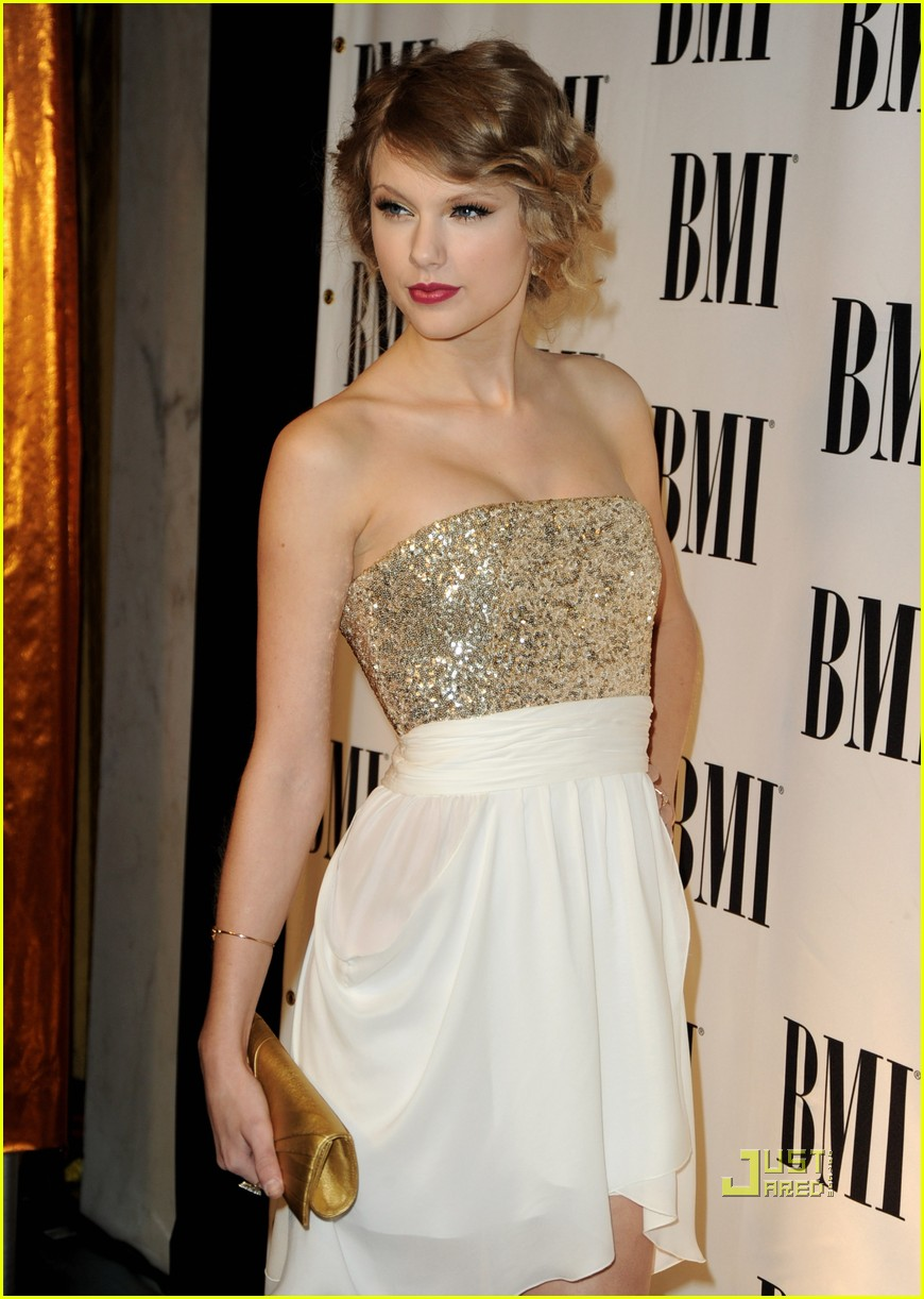 Taylor Swift: \'Love Story\' Wins Song of the Year!   Photo 370411 ...