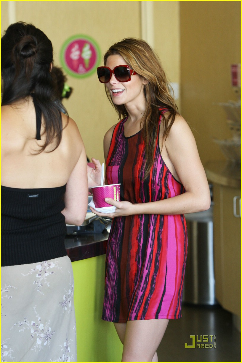 ashley greene menchies 03