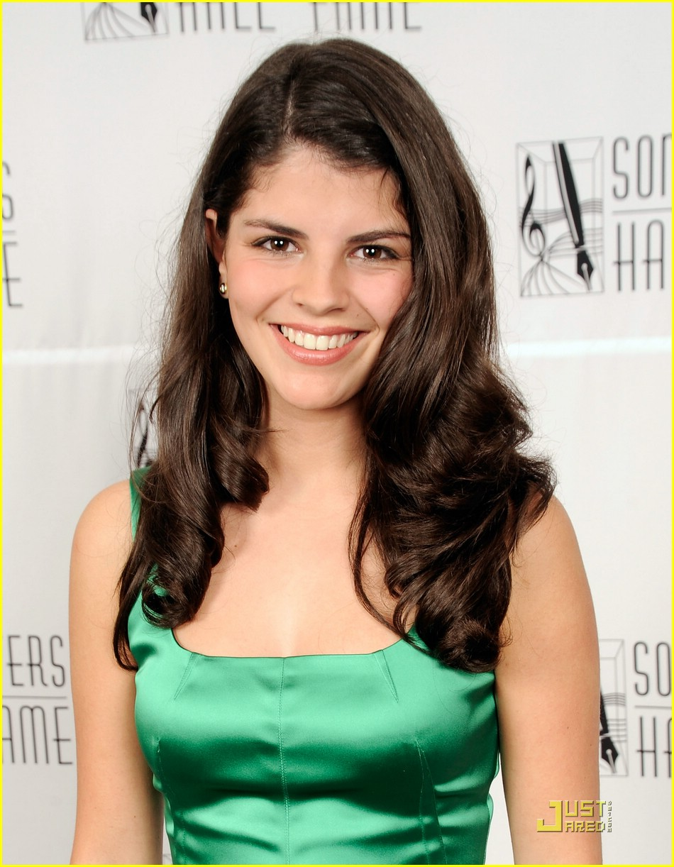 Nikki Yanofskys Leaked Cell Phone Pictures