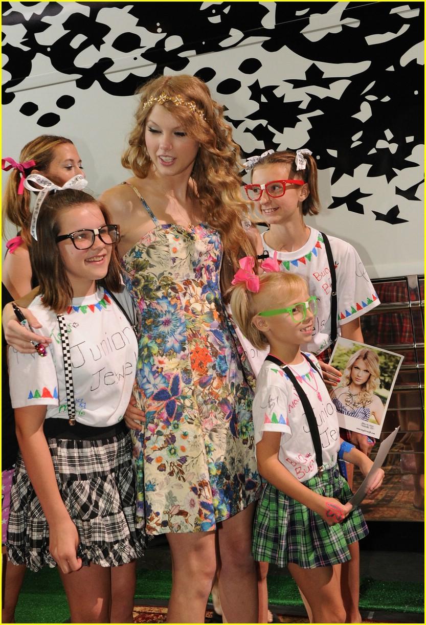 Taylor Swift 13 Hours Fan Fest Photo 373514 Photo Gallery