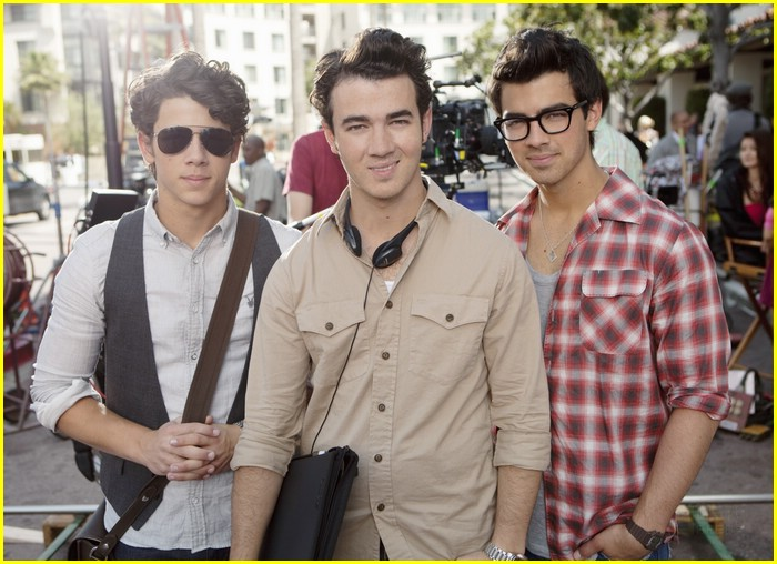 kevin jonas direct video 15