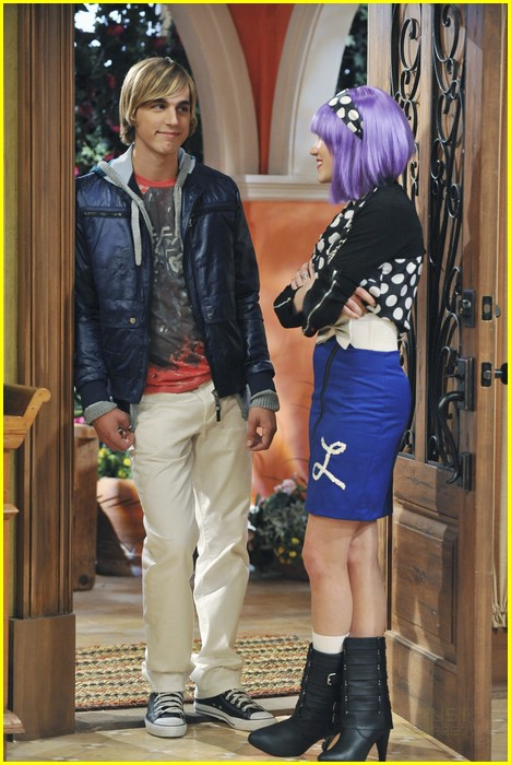 Emily Osment It S The End Of Jake Ryan Photo 380431 Photo