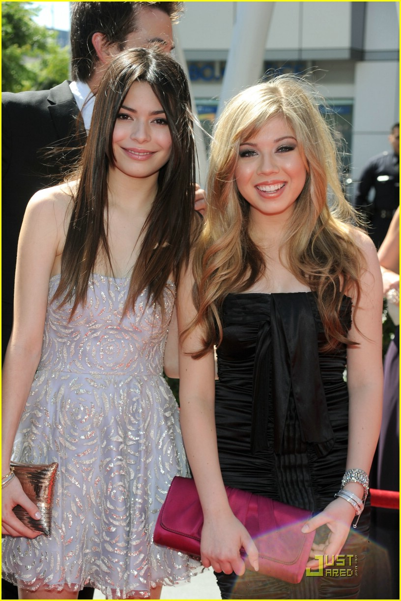 Jennette mccurdy and noah munck talk one direction emma