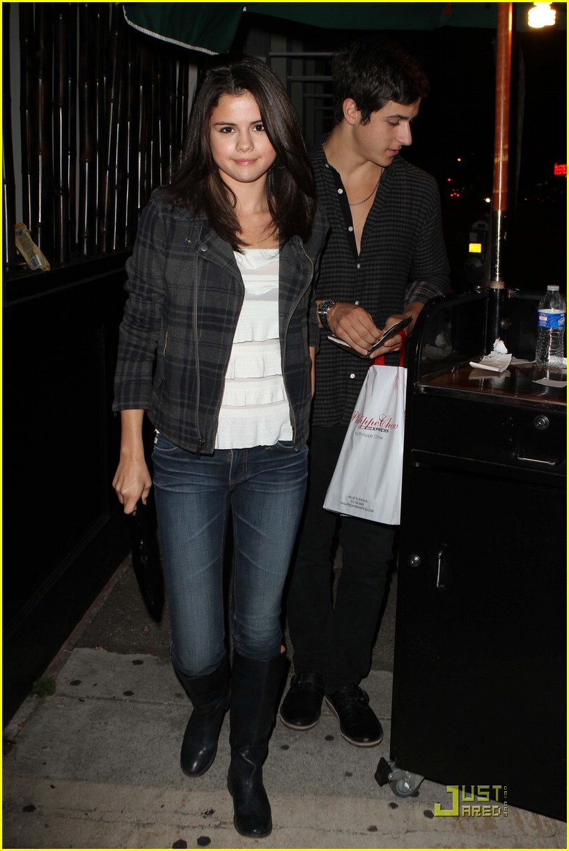David henrie and selena gomez are they dating or not