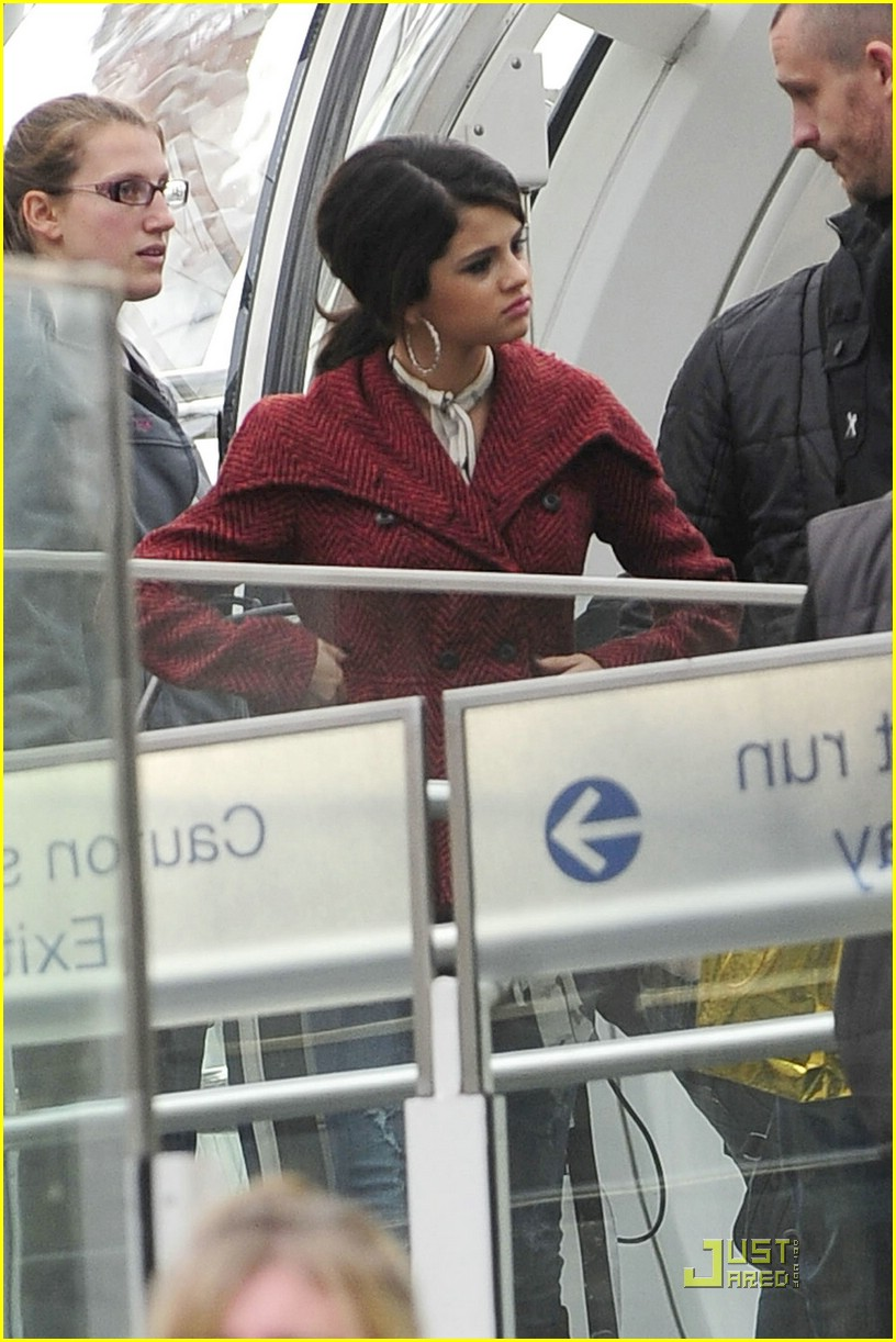 selena gomez london eye 02
