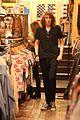 miley cyrus shopping hollywood 05