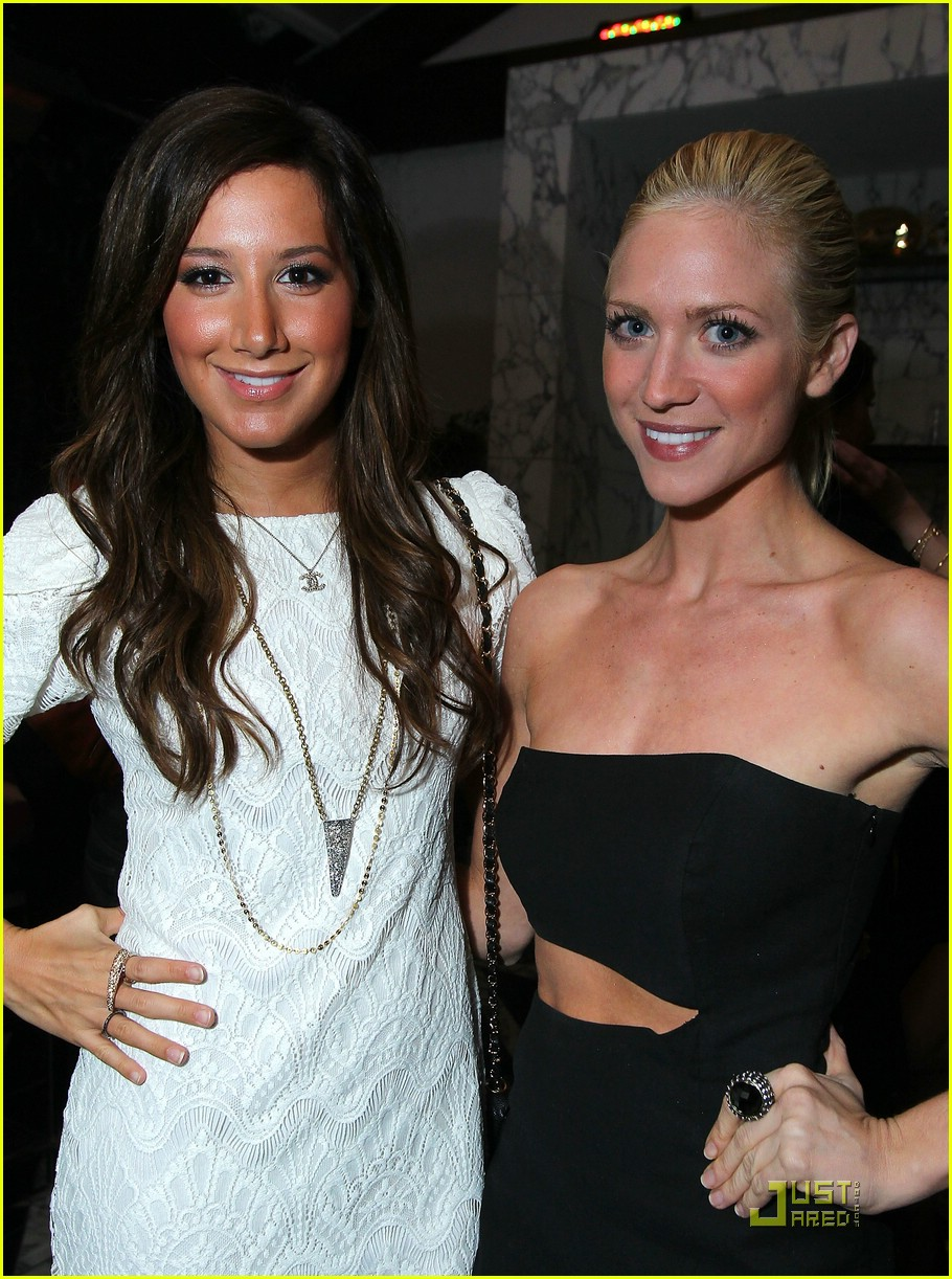 brittany snow golden globe party 07