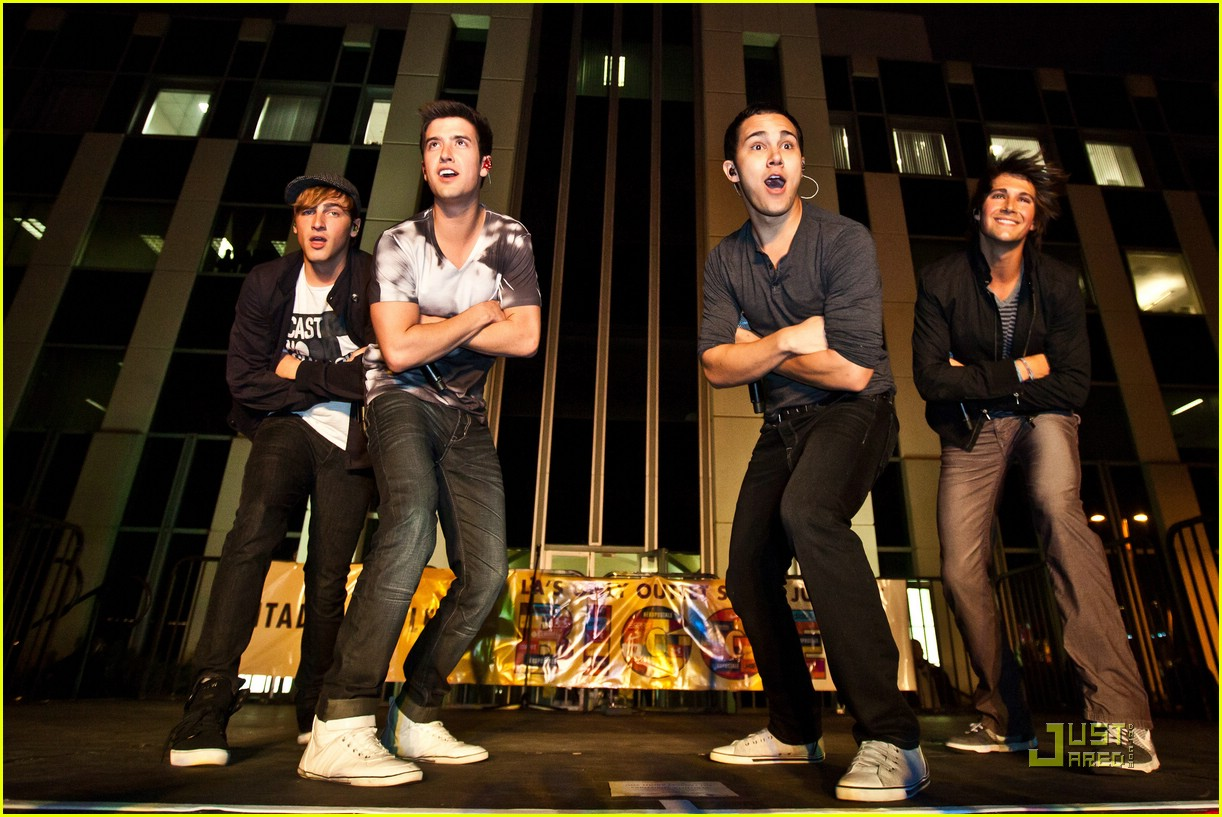 big time rush citadel christmas 05 - Big Time Rush Christmas