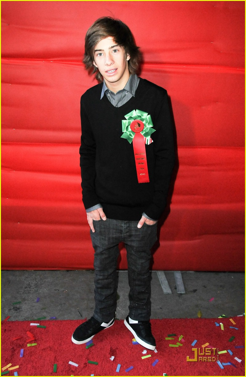 jason dolley christmas parade 10