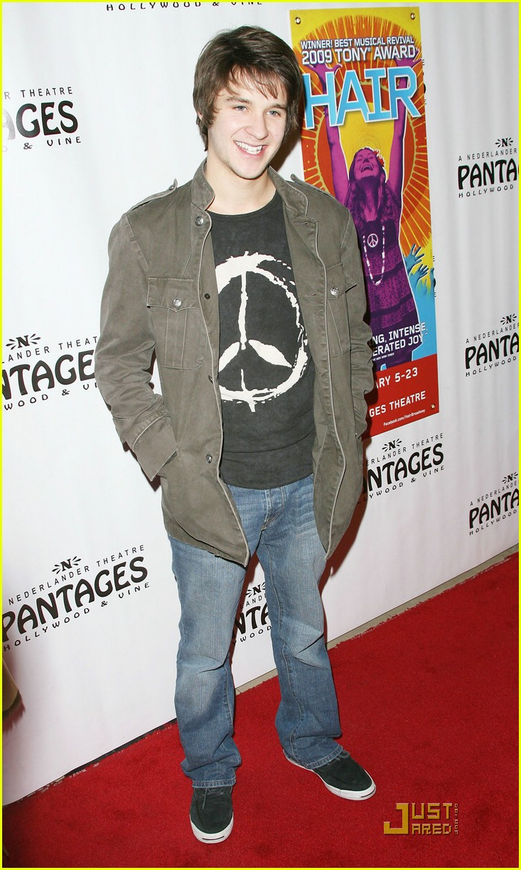 Devon Werkheiser Hair Hunk Photo 399752 Devon Werkheiser Pictures Just Jared Jr