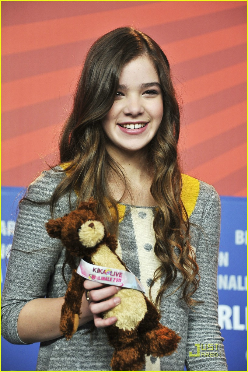 hailee steinfeld berlin beautiful 10