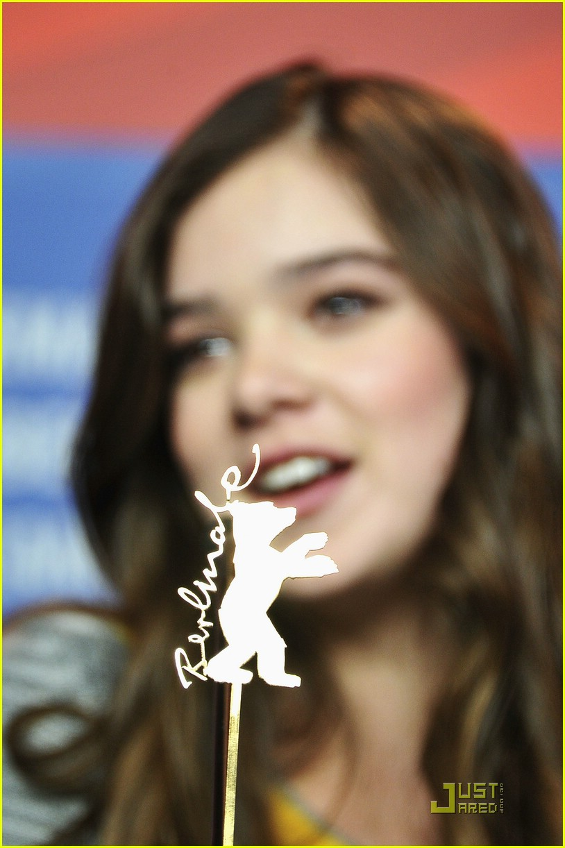 hailee steinfeld berlin beautiful 11