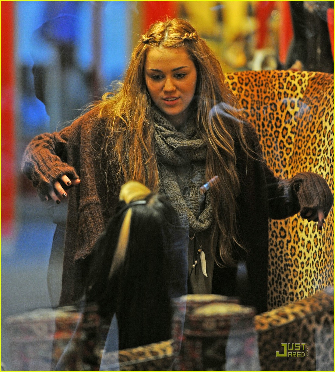 4e7380a37ba4 Miley Cyrus  Shoe Shopping in NYC!