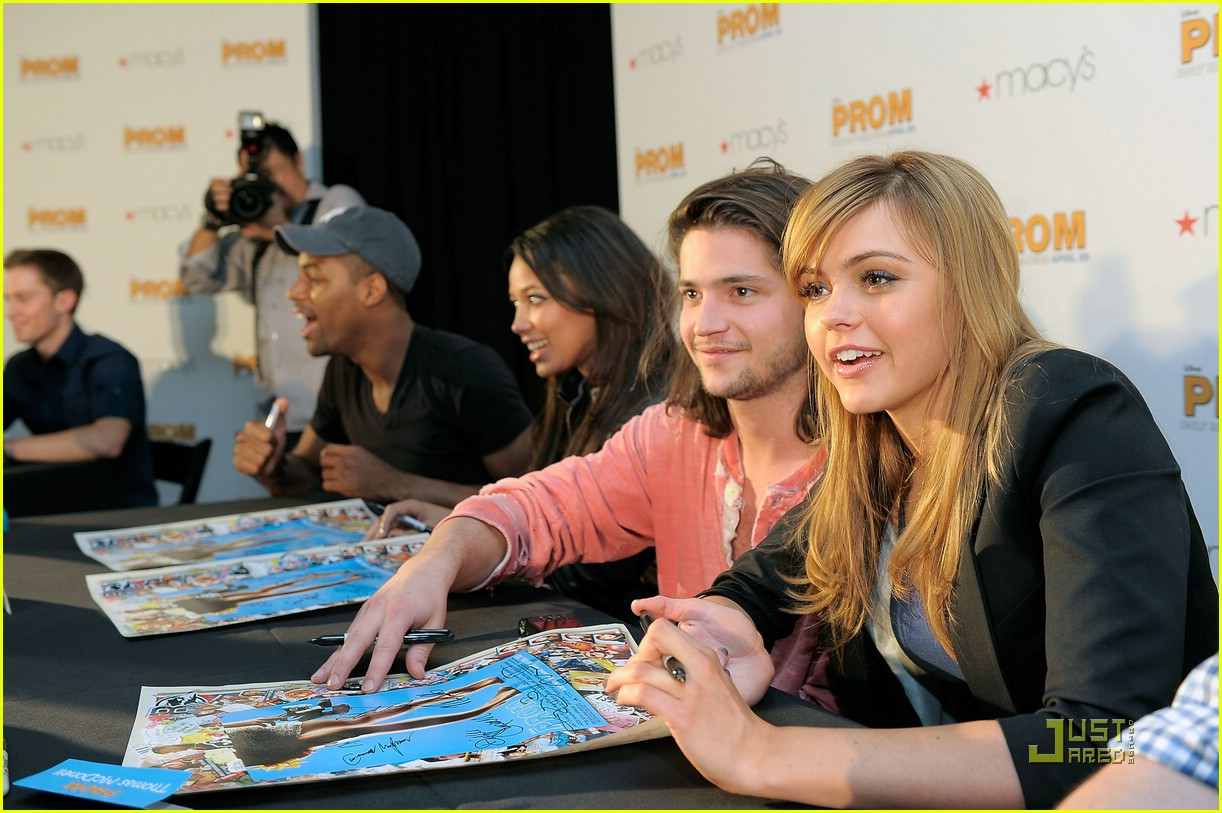 aimee teegarden thomas mcdonell glendale extra 01