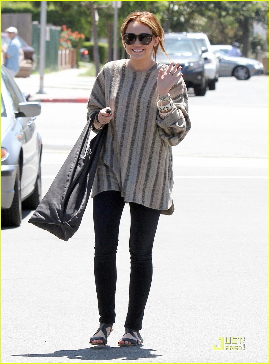 miley cyrus lunch noah tish 02
