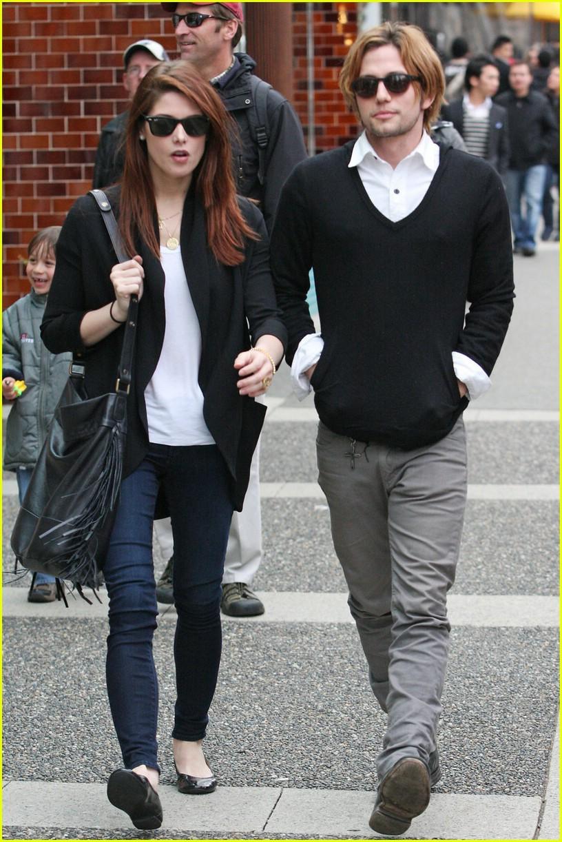 Ashley greene and jackson rathbone dating 2011