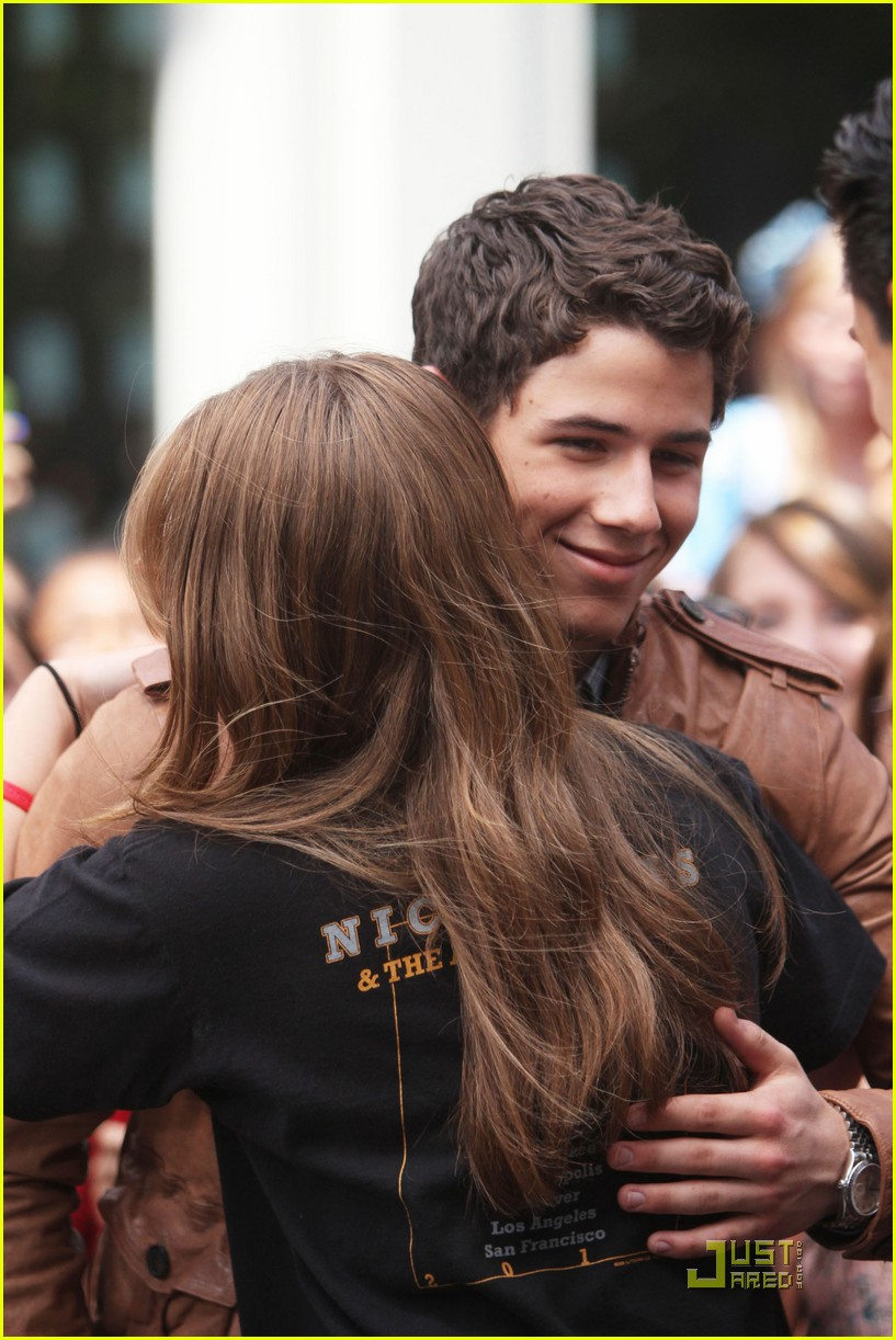 nick jonas grove guy 03